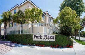 park-plaza-plaza-del-amo-sign